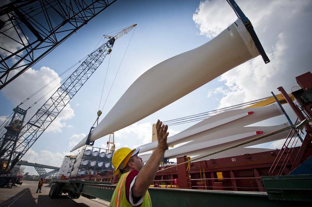 Wind & other renewables are seeing high investment in the United States & beyond.