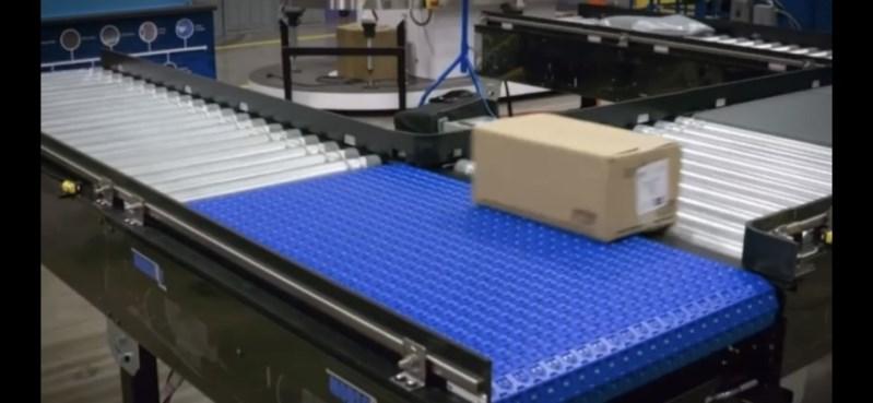 автоматическое совмещение потока модульным роликовым конвейером