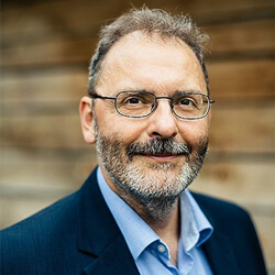 Dr. Andreas Hucke