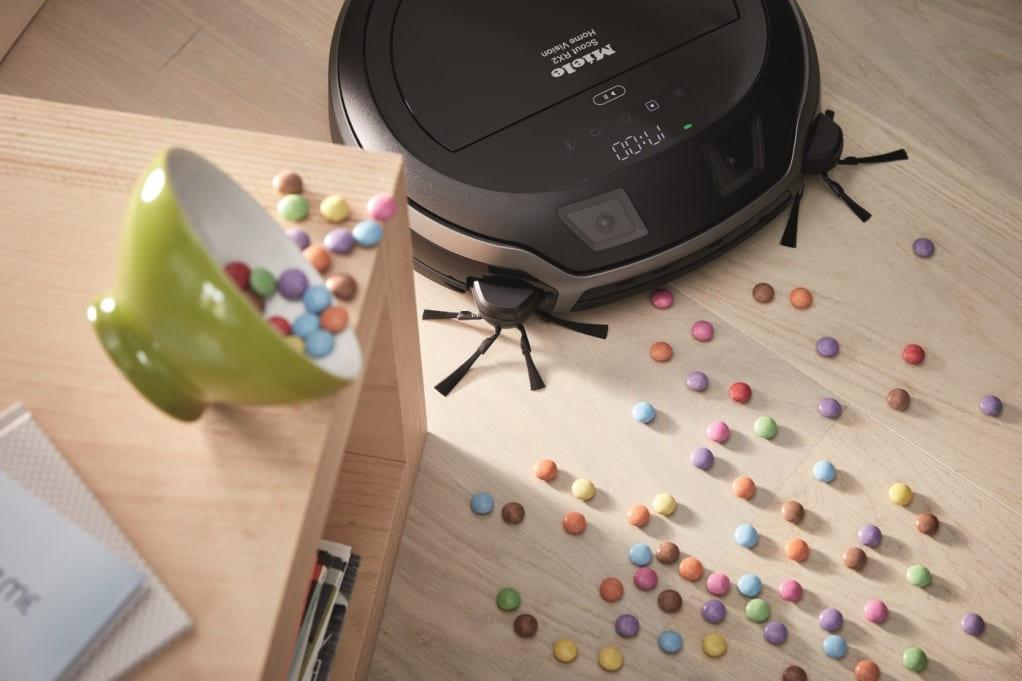 Робот-пылесос Miele собирает мелкие конфеты