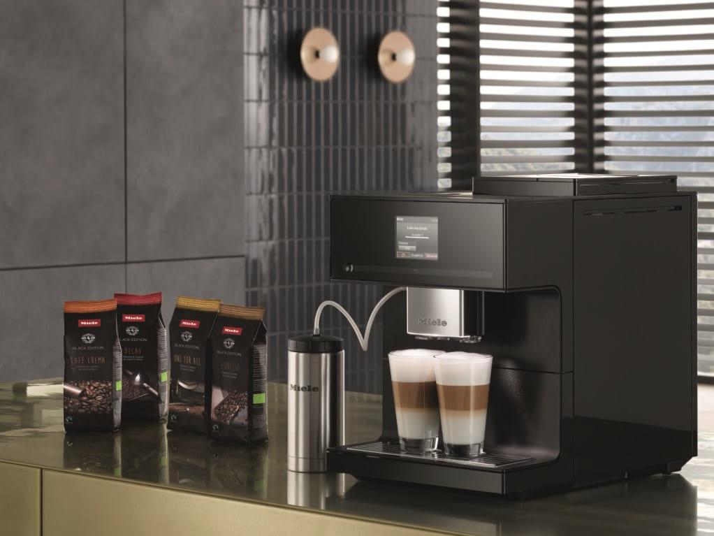 Кофемашина Miele на кухне
