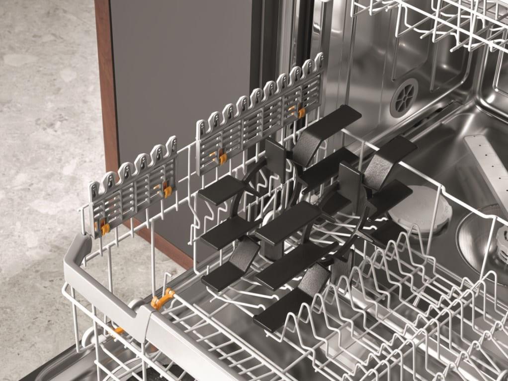 Посудомоечная машина Miele изнутри