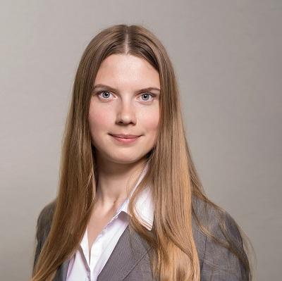 Анна Сычева, Оптиком