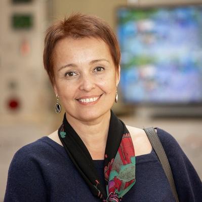 Анна Поликанова