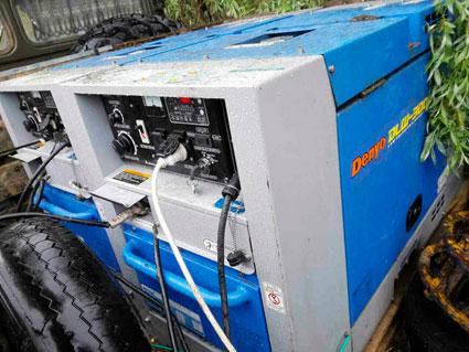 Фото3: В кузове установлено два дизельных сварочных агрегатов Denyo Denyo DLW-300LS.
